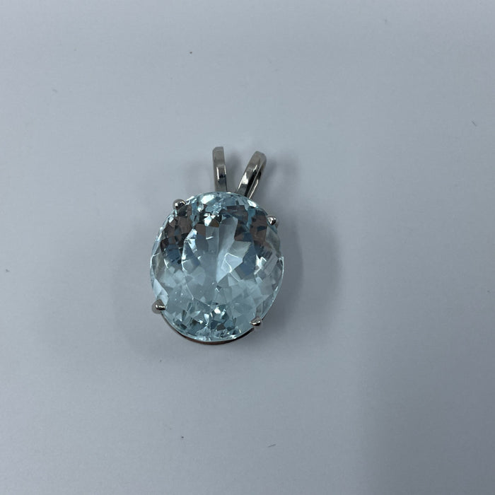 14kt White Gold oval 7.44ct blue zircon pendant