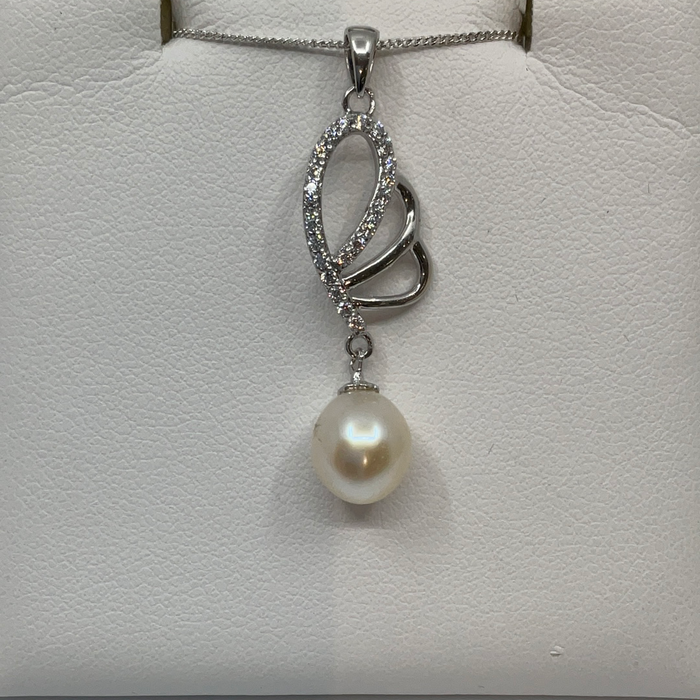 Sterling silver FW Pearl and CZ pendant