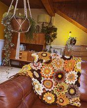 Load image into Gallery viewer, Crochet Blanket - Funky Flowers