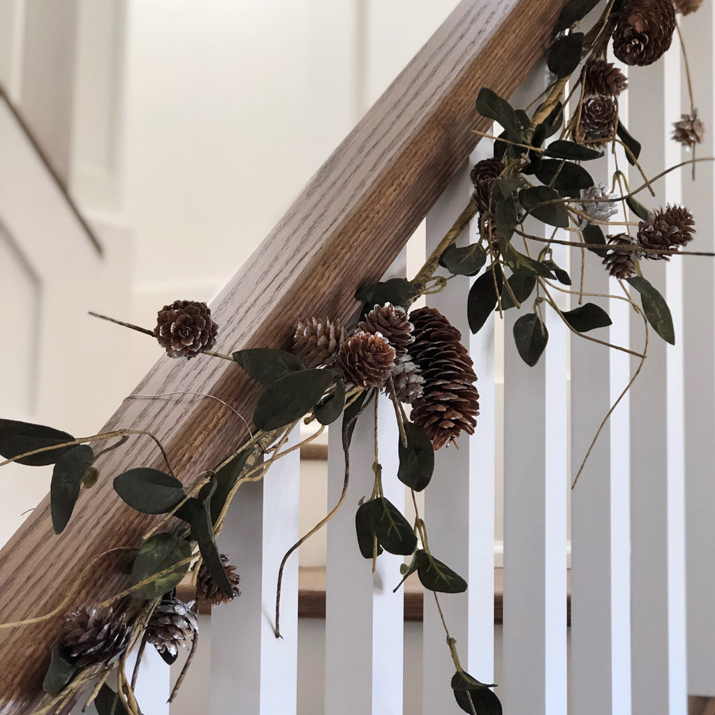garland, banister, christmas, decorations, decor, pinecone