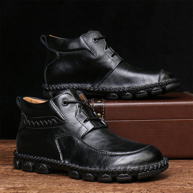 Hand-stitched middle cut men's tooling boots