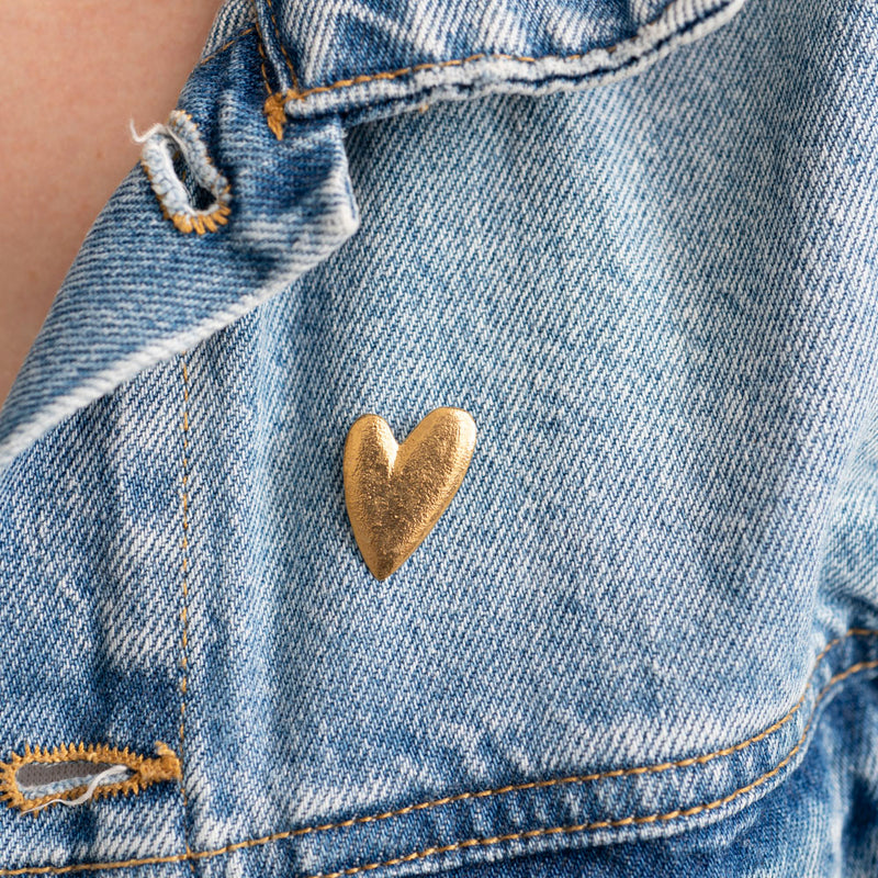 A Beautiful Story Brooch Heart Gold