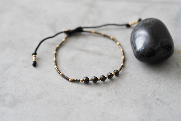 A Beautiful Story Family Black Onyx Gold Bracelet