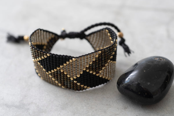 Duurzame sieraden | A Beautiful Story Willow Black Onyx Gold Bracelet