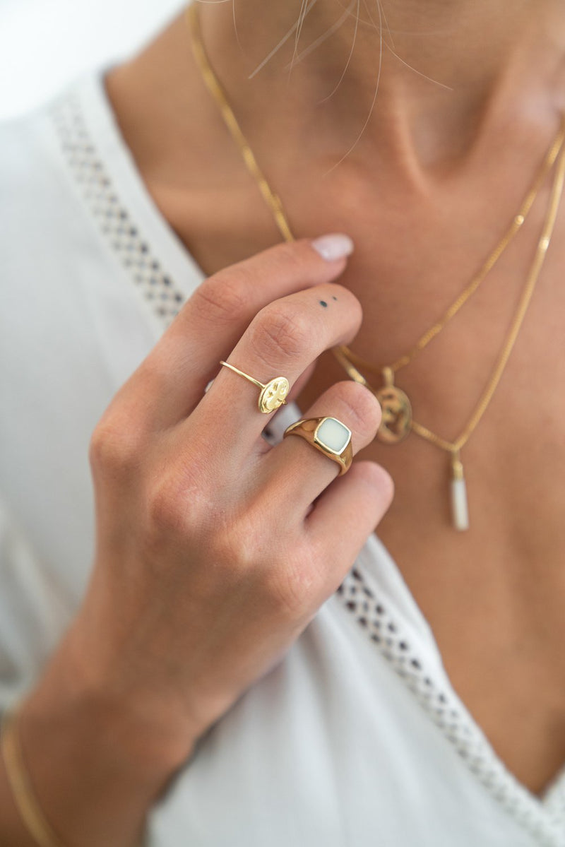 Duurzame Sieraden | Flawed Ivory Dahlia Ring – Gold