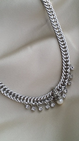 The Foxtail Sparkle Pearl Drop Pendant Chain