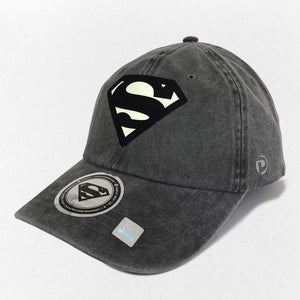 Gorra Superman Logo Glow in the Dark