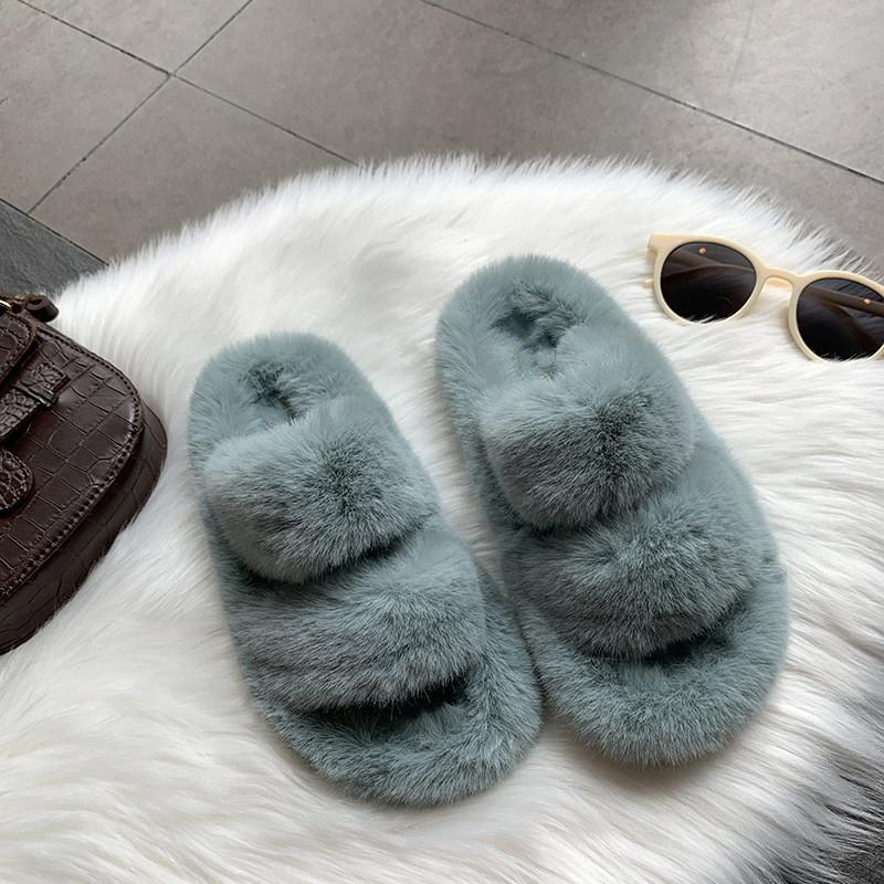 Blue-Slippers-gift-bisset-holland