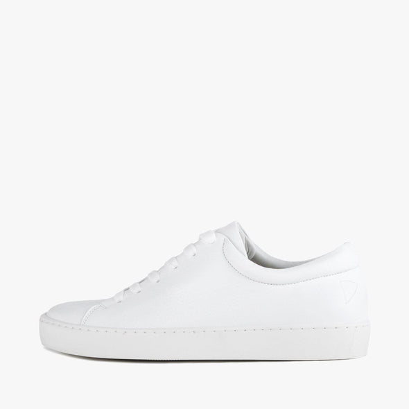 Lace-up sneakers in white leather with white rubber sole