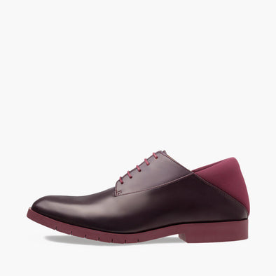 Lace-up derby shoes in burgundy leather with neoprene heel counter and rubber track sole