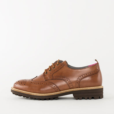 Casual derby shoes in brown leather with wingtip broguing and rubber track sole