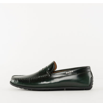 Moccasin loafers in a classic style, dark green polished leather, ergonomic rubber sole