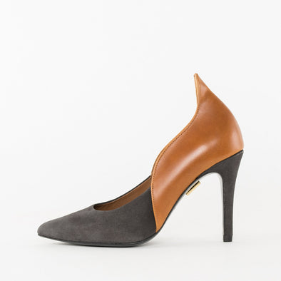 Pointed toe paneled high-heeled stilettos in camel brown leather and grey suede