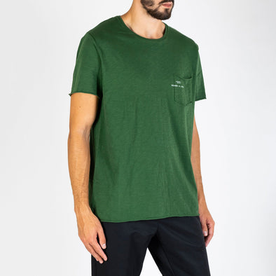 Men's green t-shirt with short sleeves, round neck and '+351 small pocket on the front.