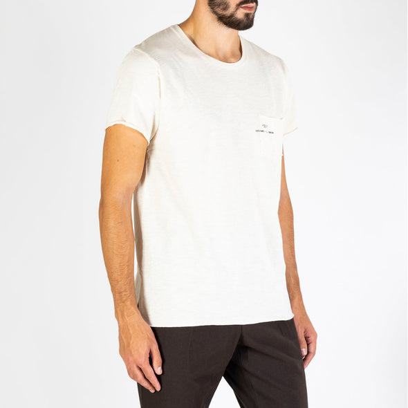 Men's light beige t-shirt with short sleeves, round neck and '+351 small pocket on the front.