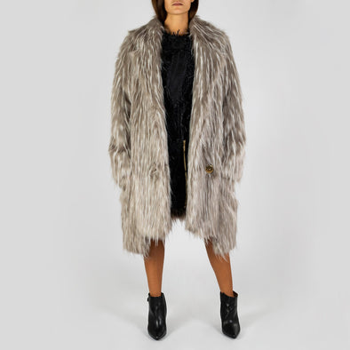 Oversized buttoned faux fur coat with big pockets.