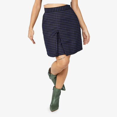 Check pattern high-waisted skirt.