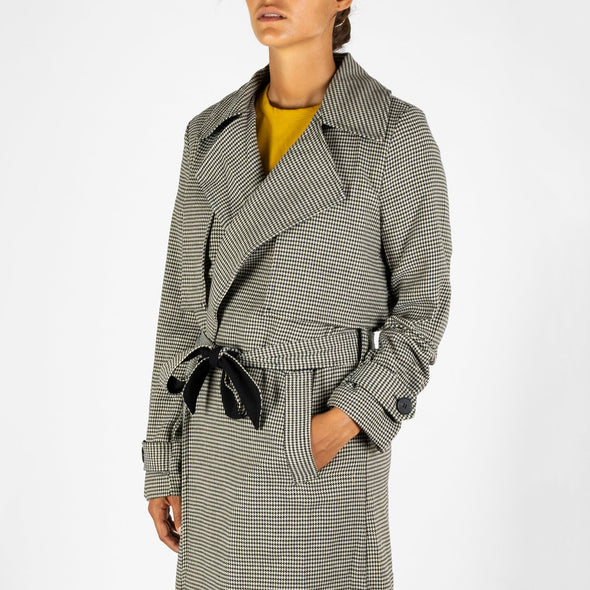 Classic patterned trench coat.