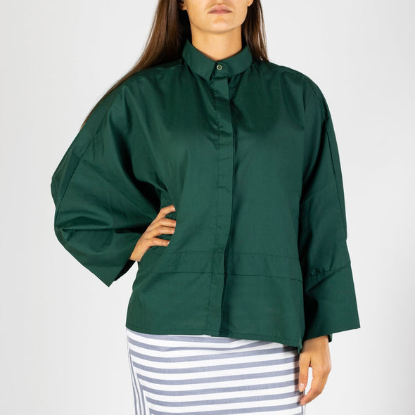 Bat winged loose shirt in deep green.