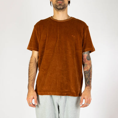 Velvet t-shirt with a regular fit, straight cut, and a subtle tone-on-tone embroidered  logo on the chest.