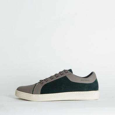Casual low-top sneakers in green suede and grey leather.