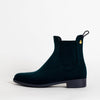 Velvety chelsea boots in metalic blue.