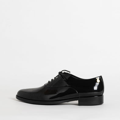 Oxford shoes in black non-toxic PVC.