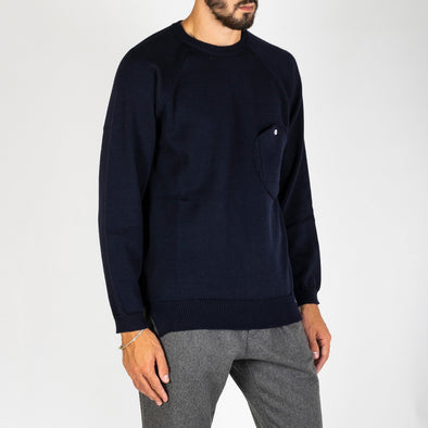 Basic navy blue crewneck with a front pocket.
