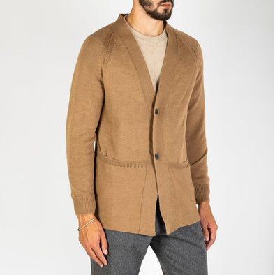 Light brown cardigan with maxi pockets.