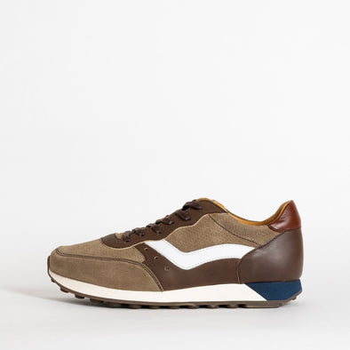 Classic runners in paneled leather and suede in white and brown shades