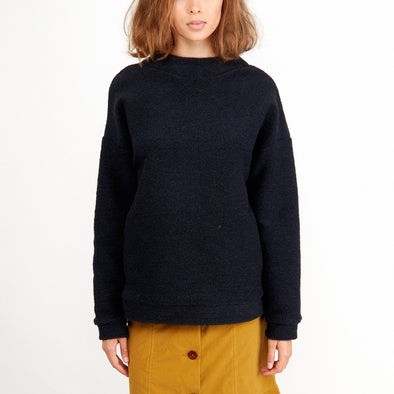 Oversized sweater in navy blue.