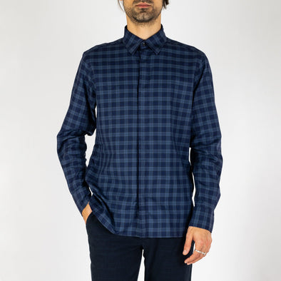 Minimalist and timeless blue shirt.