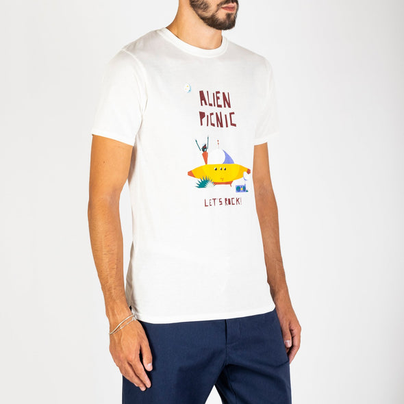 Short sleeved plain t-shirt, designed exclusively by María Diamantes.