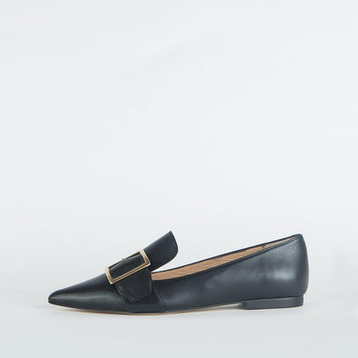 Black leather pointed ballerinas with a strap and golden detail.
