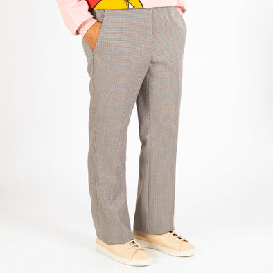 Elegant viscose mix trousers with pied de poule pattern.