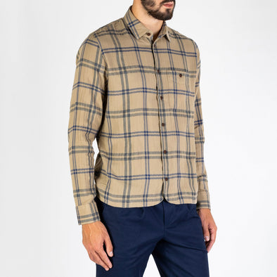 Finest flannel produced on Japanese shuttle looms with an extra soft finishing.