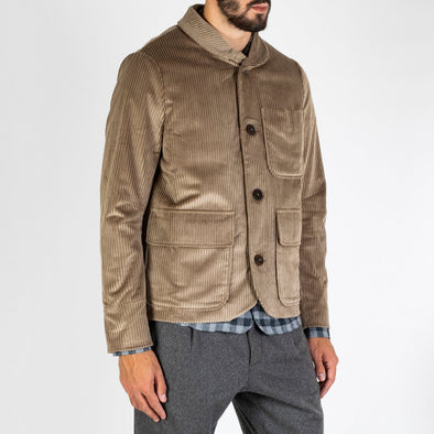 Short coat in a german corduroy fabric featuring a shawl collar.