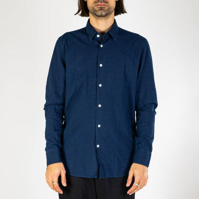 Portuguese extra soft flannel in structured blue.