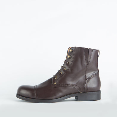 Lace-up boots in dark brown leather.