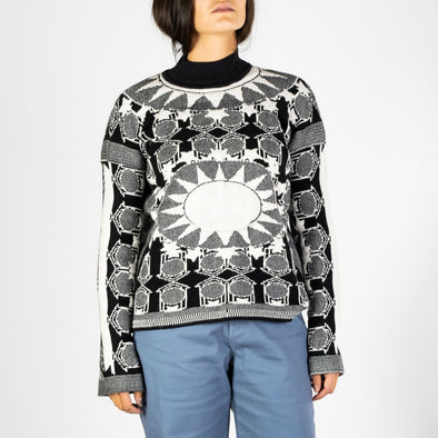 Regular fit jacquard sweater with star pattern in black and white.