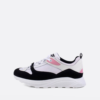 Bulky sneakers in black, white and pink.