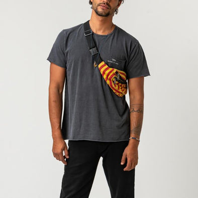 Grey round neck t-shirt with small pocket on the front and +351 logo print.