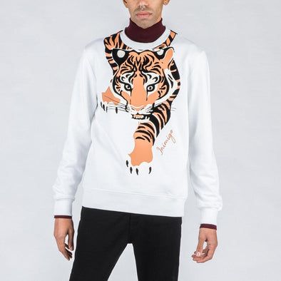 White sweatshirt with tiger feature.