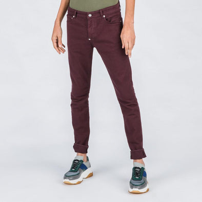 Regular fit burgundy jeans.
