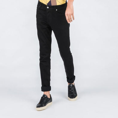 Regular fit black jeans.