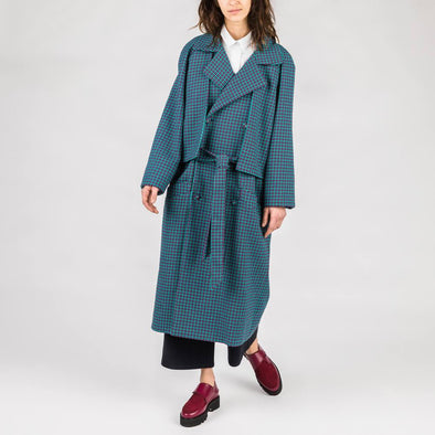 Oversize fit unisext trench coat.