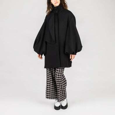 Oversize fit balloon sleeve coat.