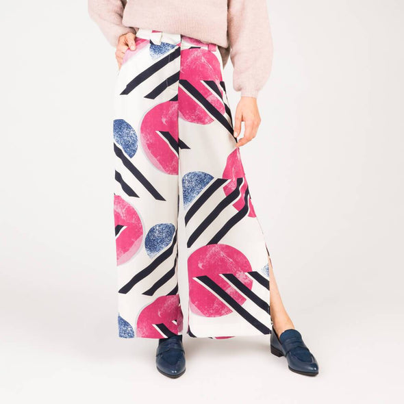 Multicolor high waisted wide leg trousers with side splits belt loops and mock back pockets.