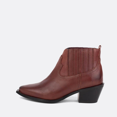 Bordeaux leather chelsea ankle boots.