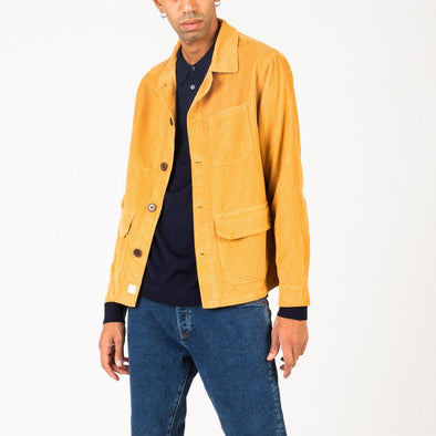 Casual shirt jacket in inca yellow corduroy.
